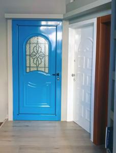 ανακαινιση-εκθεσιακος-χωρος-πορτες-ασφαλειας-(1)